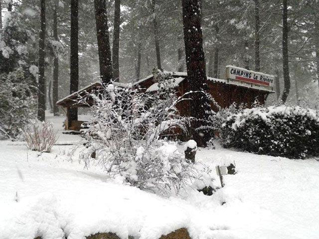 Le camping sous la neige